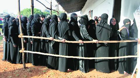 Muslim women at a polling booth in Dharavi.(Prashant Nadkar)