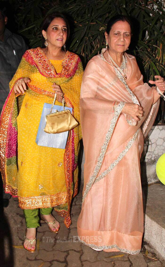 Aamir's mother Zeenat Hussain  arrives for the shower. (Photo: Varinder Chawla)