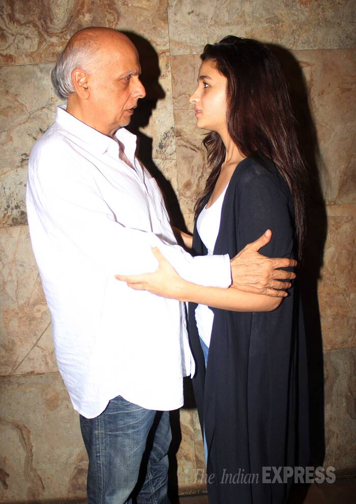 Daddy's li'l angel - Alia with Mahesh Bhatt. (Source: Varinder Chawla)