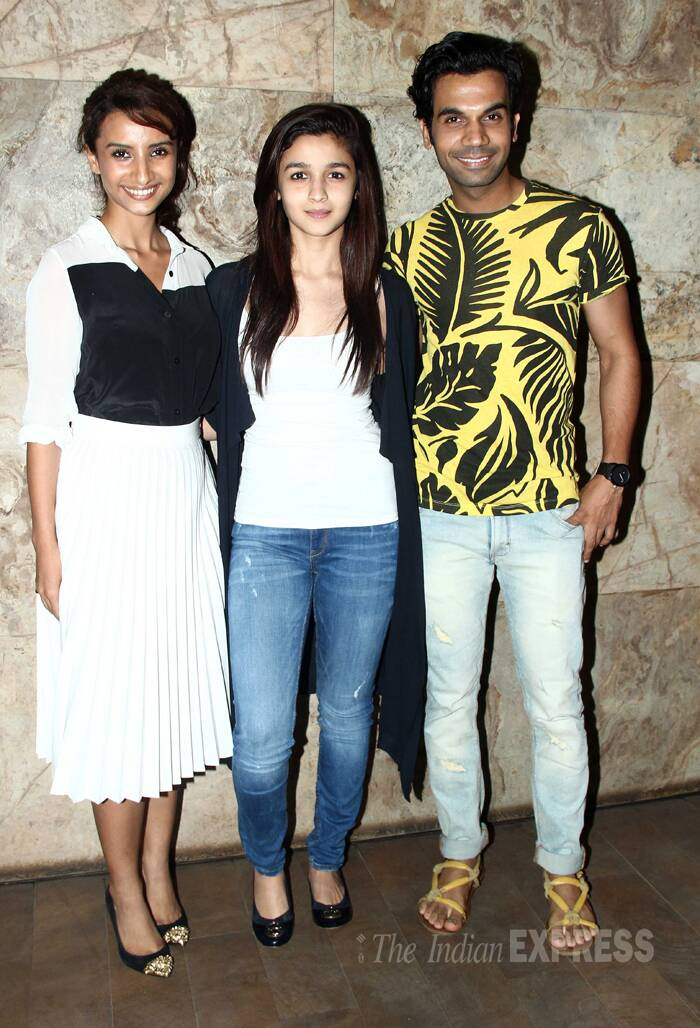 Alia poses with Rajkummar and Patralekhaa. <br /> Patralekhaa is making her debut with 'CityLights.' (Source: Varinder Chawla)