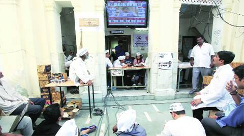 AAP workers watch the outcome of the Lok Sabha elections at the party office in the capital. ( Source photo by Renuka Puri )