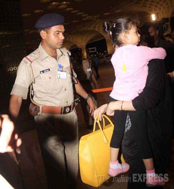Aishwarya Rai Bachchan leaves for Cannes 2014 with daughter Aaradhya