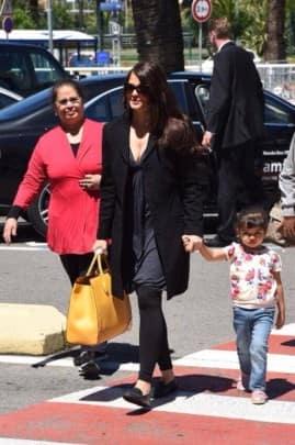 Aishwarya Rai, daughter Aaradhya Bachchan at Nice airport