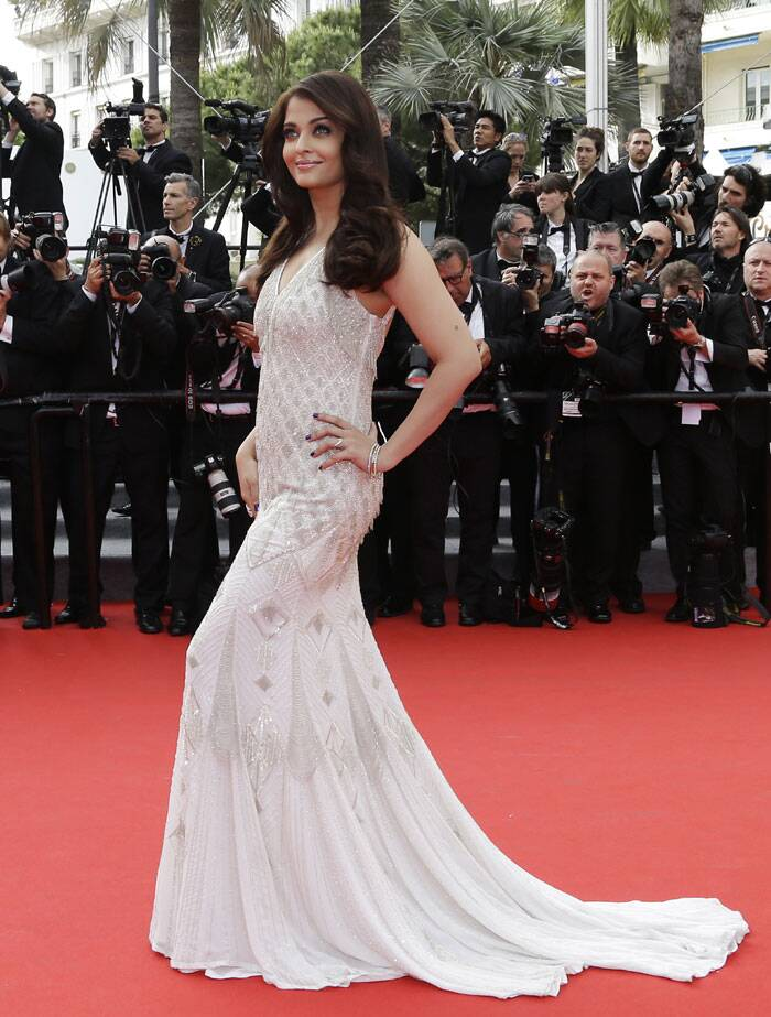 Aishwarya Rai Bachchan scored another fashion ace in an ivory white Roberto Cavalli fishtail gown for her second outing at the Cannes red carpet this year. <br /><br /> The gown fitted perfectly on her curves perfectly but we wish the former beauty queen had worn something else as this one reminded us of her golden outing a day earlier. (Source: AP)