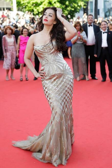 Cannes Film Festival: Aishwarya Rai Bachchan is a golden delight in first appearance