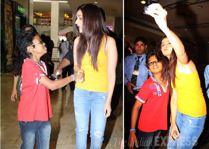 Alia meets a young fan at the launch and also obliged the little boy with a selfie. (Source: Varinder Chawla)