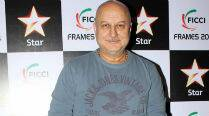 Anupam Kher recuperating after eye surgery
