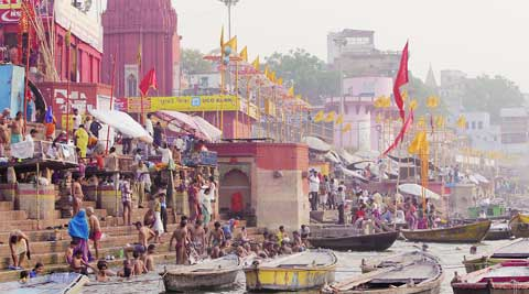 The focus of Swaroop's film is the people of Varanasi and their crowd dynamics rather than the political battle itself; filmmaker Kamal Swaroop during the shooting of the film.