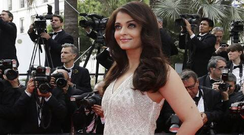 Aishwarya Rai Bachchan proved that only she is the Reigning Queen when it comes to glamour. (Source: AP)