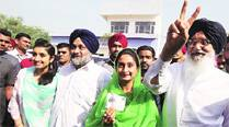 All quiet at Badal Mansion and  Manpreet's residence, both confident of theirvictory