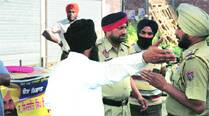 Bains' supporters, YAD leaders clash in Ludhiana