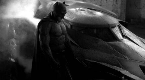 Zack Snyder shared the picture with the caption: I shot this with my @Leica_Camera M Monochrom. #Batman #Batmobile #Gotham ( Source: Twitter )