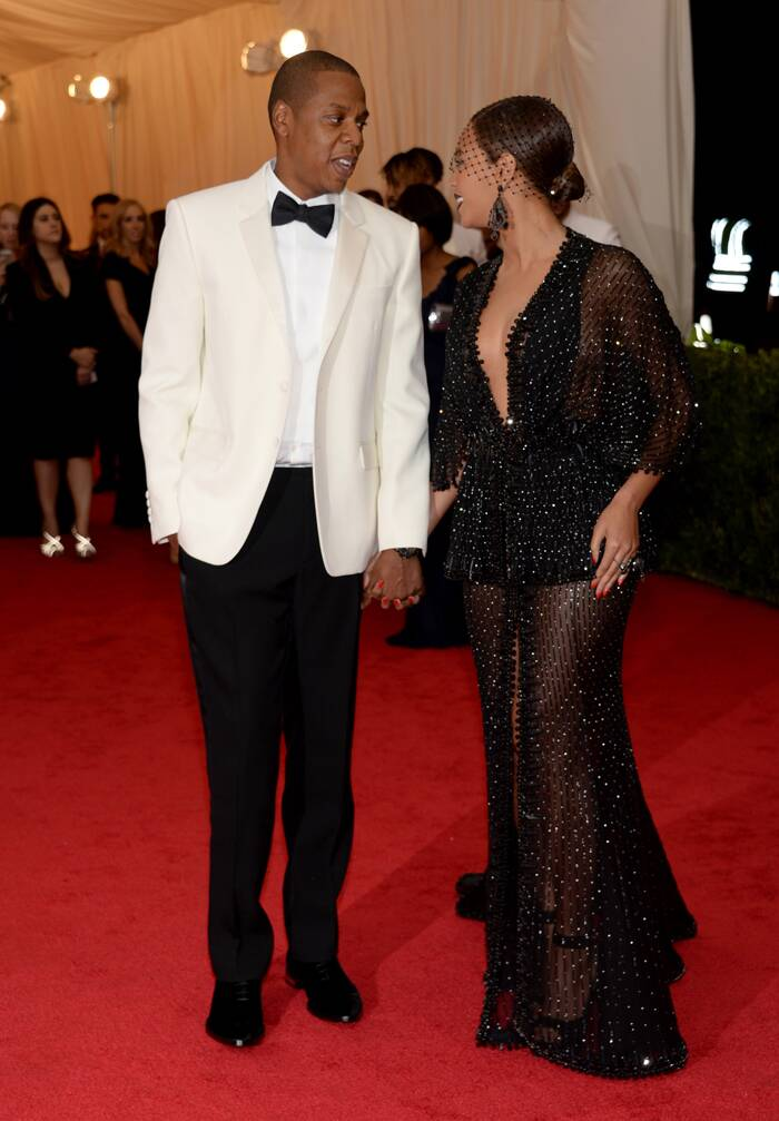 Music moghul Jay-Z looked handsome in a dinner jacket as he accompanied his hot wife Beyonce on the red carpet.  (AP)