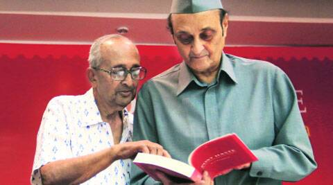 BG Verghese (left) and Karan Singh at the book launch.