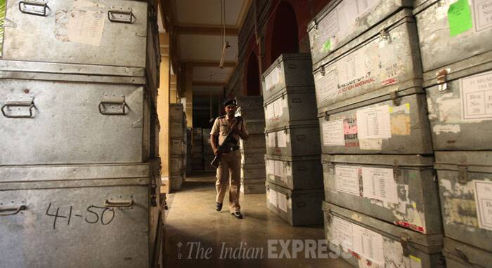 Security at Elphinstone College. (Source: Express Photo by Pradeep Kochrekar)