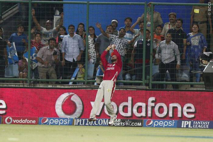 But just when Delhi needed to up the ante, they started losing wickets in quick succession. Glenn Maxwell took three catches in the match including one stunner at the boundary ropes. (Photo: BCCI/IPL)