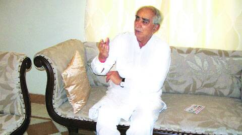 Jaswant Singh at a Barmer hotel, where he is spending his time reading and watching TV.( Source: Express photo by Sweta Dutta )