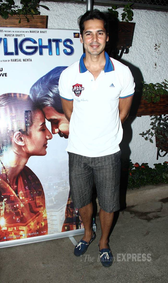 Dino Morea was all dressed for the summer in a tee shirt, shorts and loafers. (Source: Varinder Chawla)