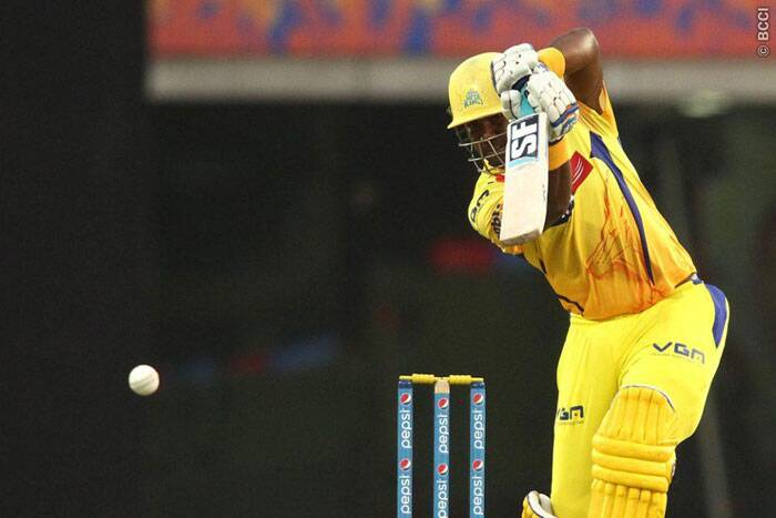 Chennai Super Kings' chase was jolted with the dismissal of opener Brendan McCullum, but his partner, the in-form Dwyane Smith, kept the Rajasthan Royals bowlers gasping for breath with some ingenious stroke-play. Smith scored 44 runs off 35 balls, and was ultimately dismissed by Rajasthan Royals' Kevin Cooper. (Photo: IPL/BCCI)