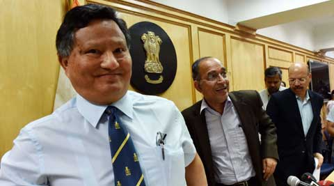 Chief Election Commissioner V.S. Sampath, with Election Commissioners H.S. Brahma (left) and Nasim Zaidi. ( Source: PTI/File )