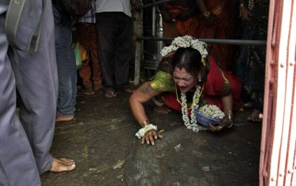Eunuchs' festival in Tamil Nadu