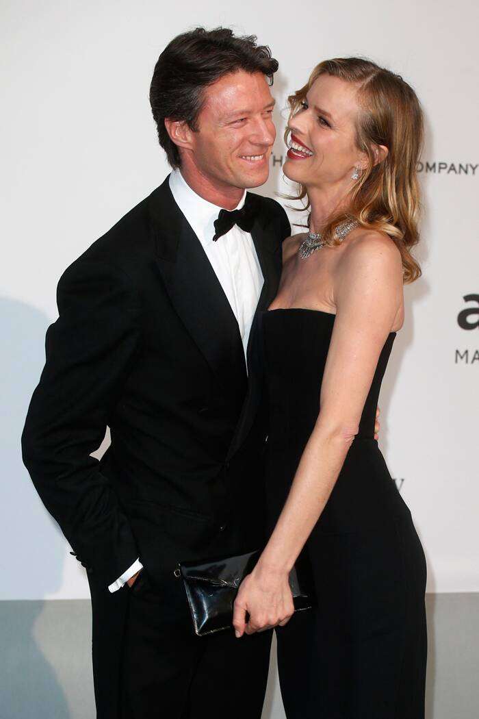 Czech model and actress Eva Herzigova was accompanied by husband Gregorio Marsiaj as she enjoyed her turn on the red carpet. (Source: Reuters)