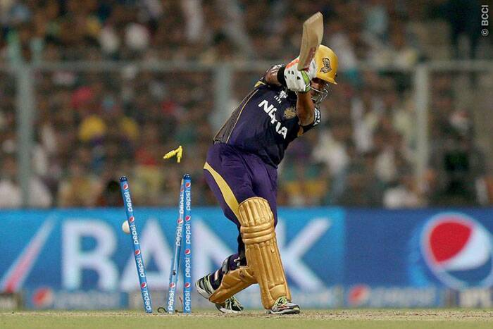 Chasing 155, Kolkata got of to a flier scoring at more 10 runs per over. Gautam Gambhir played a second fiddle to Robin Uthappa. Gambhir, 21 off 20, was bowled by Ishwar Pandey. (Photo: BCCI/IPL)