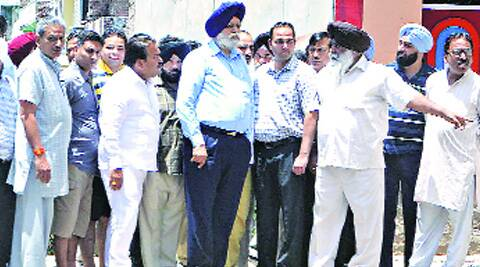 Gohalwaria along with councillors and Additional Commissioner at Ganda Nullah in Ludhiana Monday.