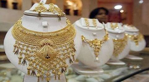 Police said the gold and silver had been confiscated by the Department of Trade and Taxes in March from New Delhi railway station after an export company failed to explain the consignment.