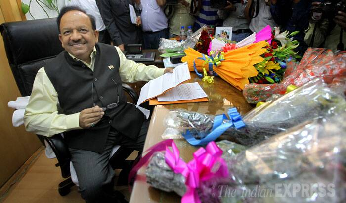 Dr Harsh Vardhan takes charge as the Health and Family Welfare minister in New Delhi on Tuesday. (Source: Express photo by Ravi Kanojia)