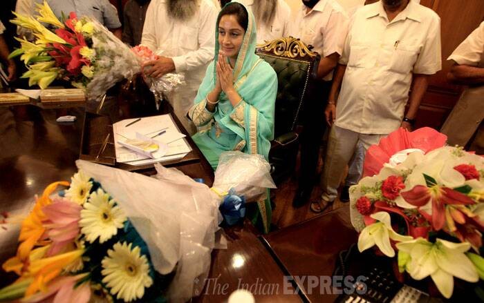 Harsimrat Kaur Badal is seen taking charge as minister of Food Processing Industries in New Delhi on Tuesday. (Source: Express photo by Ravi Kanojia)