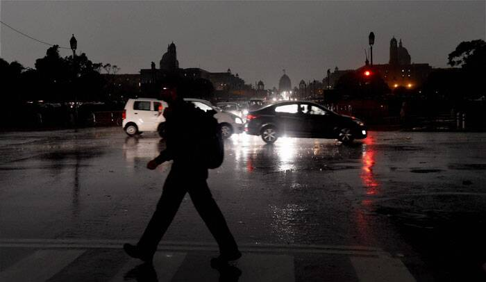 Areas in South, East and North Delhi faced long power cuts ranging from one to four hours. Supply of power could not berestored till late in the evening in several areas in North and North West Delhi. (Source: PTI)