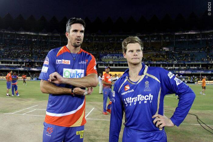 In the 41st match of IPL 7, Rajasthan Royals were up against Delhi Daredevils in Ahmedabad. Delhi captain Kevin Pietersen won the toss and invited the Steve Smith led Rajsthan to bat first. (Photo: BCCI/IPL)