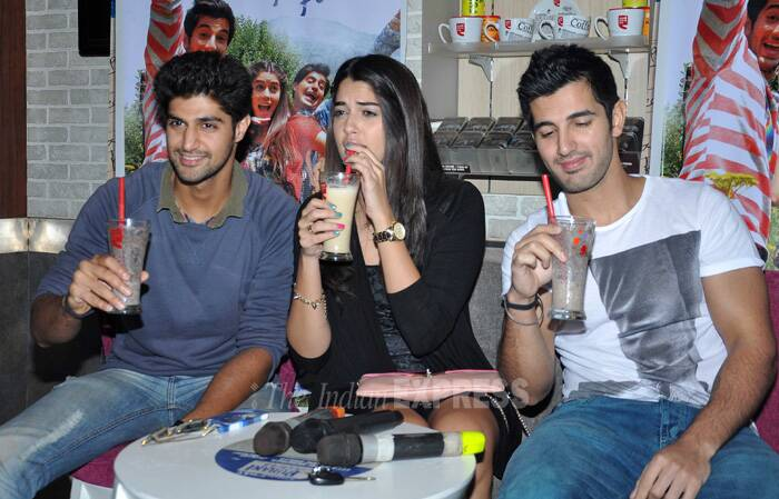 Sushmita Sen turns host, 'Purani Jeans' team busy with promotions