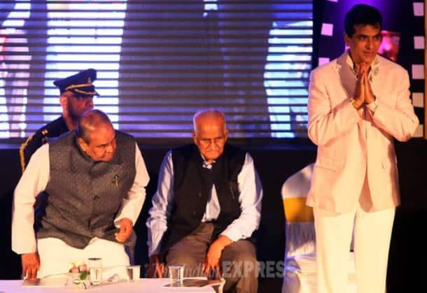 Jeetendra, Farhan, Kapil Sharma honoured