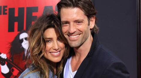 Jennifer Esposito, the former wife of Bradley Cooper, is to tie the knot with Louis Dowler.