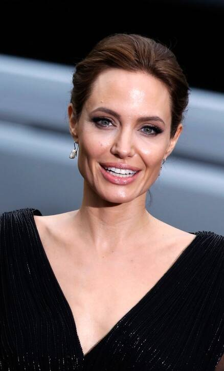 Brad Pitt, Angelina Jolie – Hollywood's Prince and Princess
