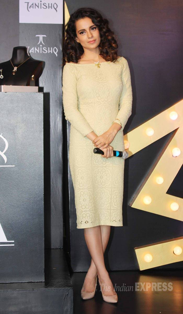 Kangana picked a Burberry Prorsum lace dress with nude coloured heels for the event. (Source: Varinder Chawla)