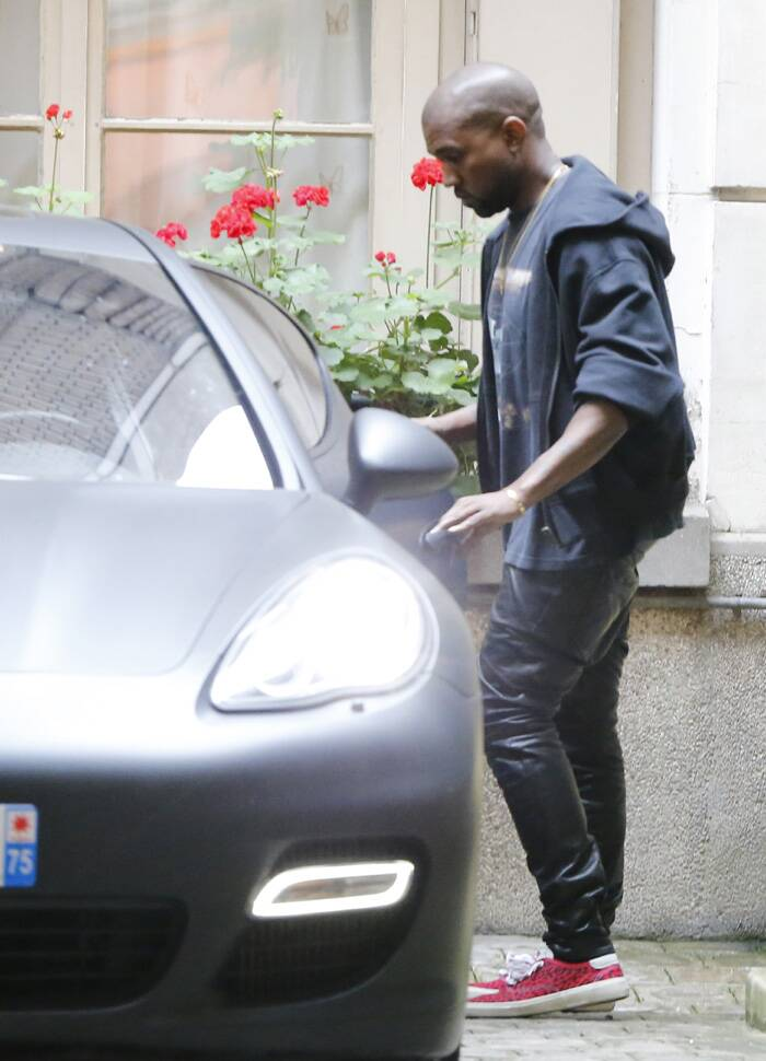Groom-to-be Kanye West was dressed casually. (Source: AP)