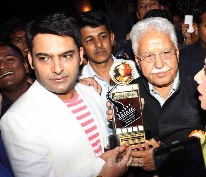 Host of 'Comedy Nights With Kapil', Kapil Sharma was also presented with an award for Best TV Actor. (IE Photo: Amit Chakravarty)