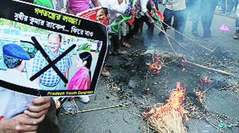 Youth Congress supporters burn an effigy of Sudhir Kumar Rakesh, special observer, demanding his removal, in Kolkata on Monday