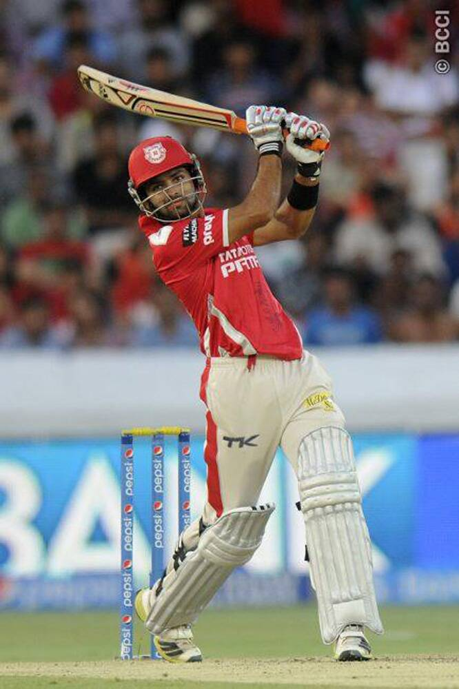 After the dismissal of Virender Sehwag in Bhuvaneshwar Kumar's first over, Manan Vohra took the attack on the Sunrisers Hyderabad bowlers and struck seven boundaries in his knock of 47 runs. (Photo: IPL/BCCI)