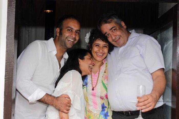 "After a series of pictures Manisha Koirala tweeted, ""That was a celebration of one year cancer free..I m 1 yr old in my new life!!sharing laughter with grt friends..I love them.they r precious��"" (Photo: Twitter)"