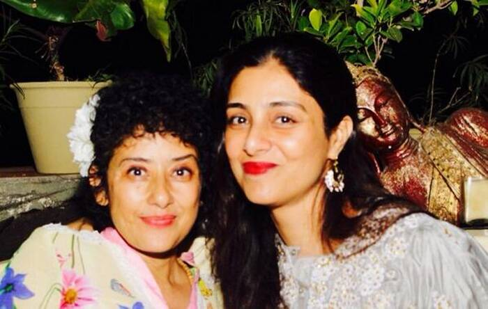 Manisha strikes a pose with Tabu. (Photo: Twitter)