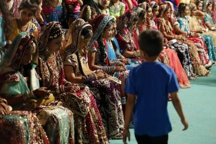 35 couple tie the knot at mass marriage ceremony in Mumbai