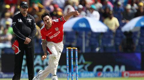 Mitchell Johnson did not forget to mention the contribution of coach Sanjay Bangar (Photo: BCCI/IPL)