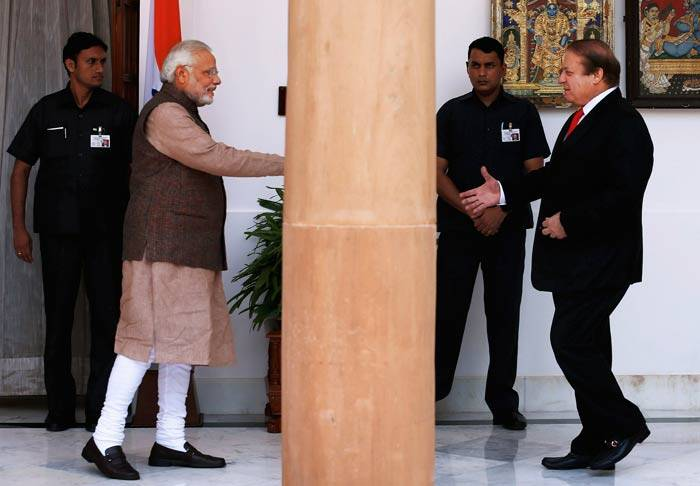 Narendra Modi holds talks with Nawaz Sharif