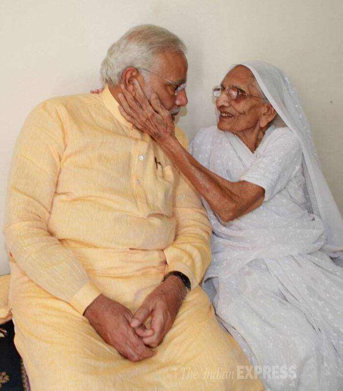 Narendra Modi meets his mother ahead of swearing-in ceremony