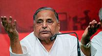 Recover land from China, Pak and I will garland  you, Mulayam tells Modi