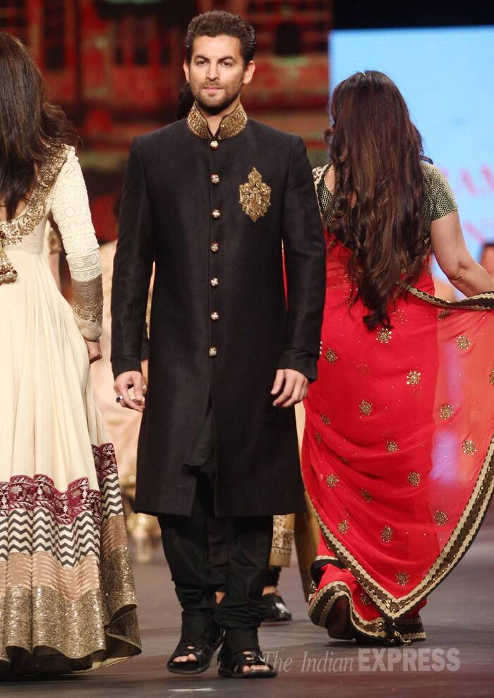Neil Nitin Mukesh, who has been missing from the big screen for sometime now, looked handsome in a black sherwani with gold work. (Photo:Varinder Chawla)